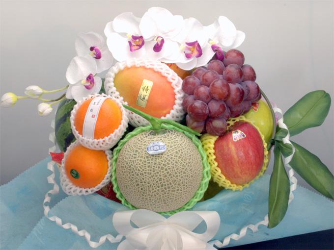 お供え・葬儀におくやみ撰果の果物籠盛り